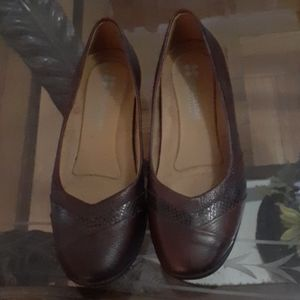 Burgundy red naturalize brand 5.5 flat shoes